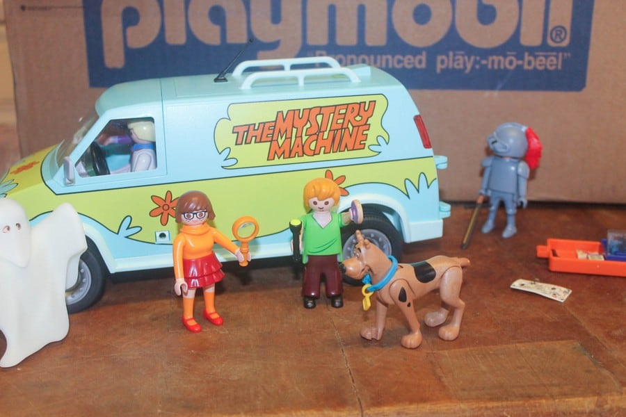 Jinkies! The PLAYMOBILE Scooby-Doo Mystery Machine is Totally Groovy!