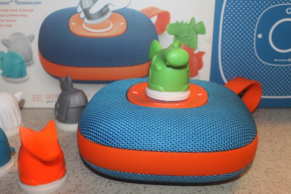 Kid's going stir-crazy while stuck indoors? Throw a living room dance party with the Jooki Kid's Music Player! Read on to learn all about it!