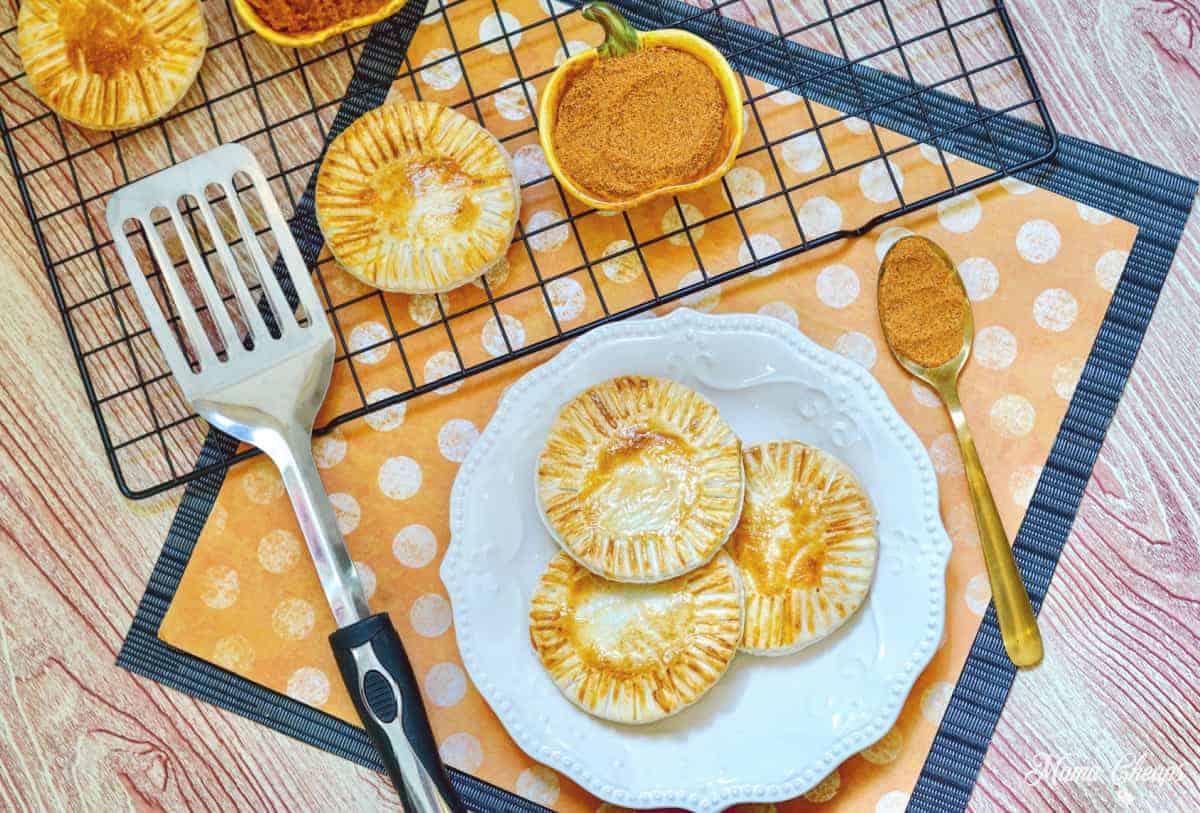 Easy Air Fryer Pumpkin Hand Pies
