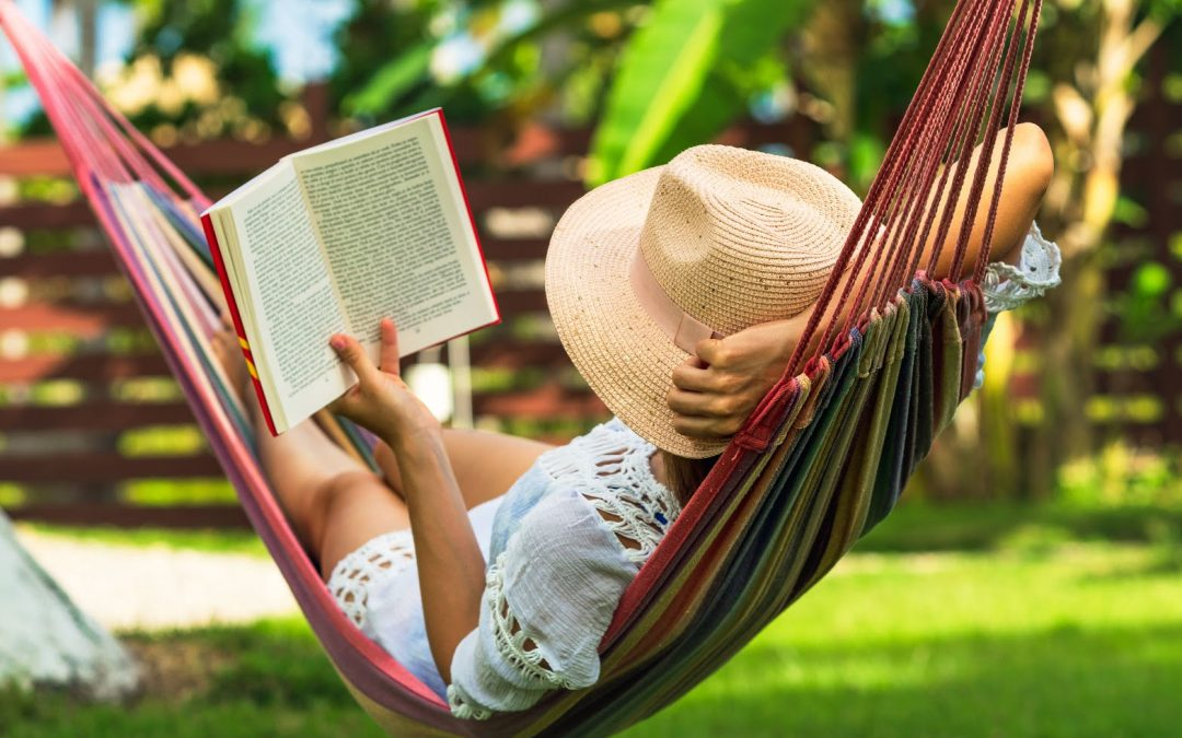 Summer Reading List for Adults: 50 Amazing Books to Take to the Beach